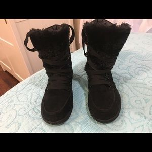 Guess new in box ankle boots